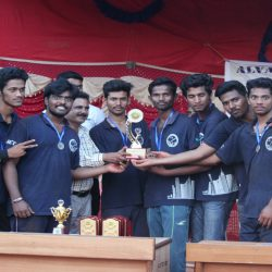 Chief guest issuing trophy with cash prize to the runner up team – Civil Imortals